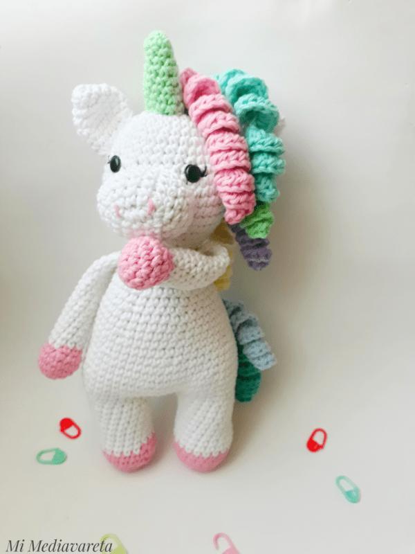 unicornio tejida a crochet con fotos del paso a paso tutorial