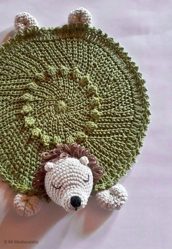 manta de apego de león tejida a crochet