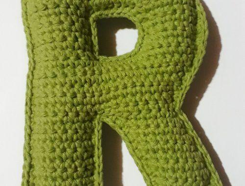 Aprende a tejer la letra R a crochet con patrón escrito mas fotos paso a paso