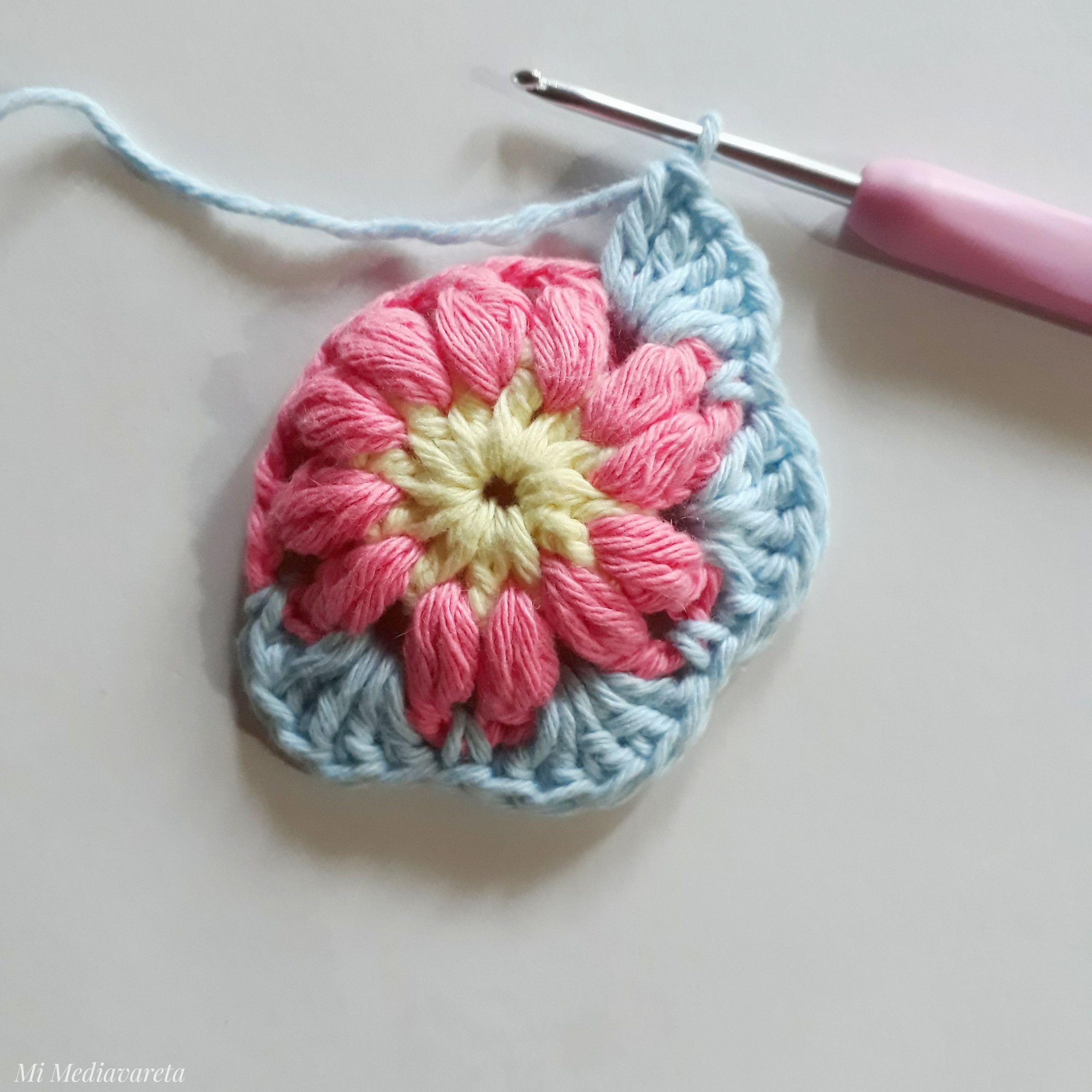 mini mandala a crochet con patrón
