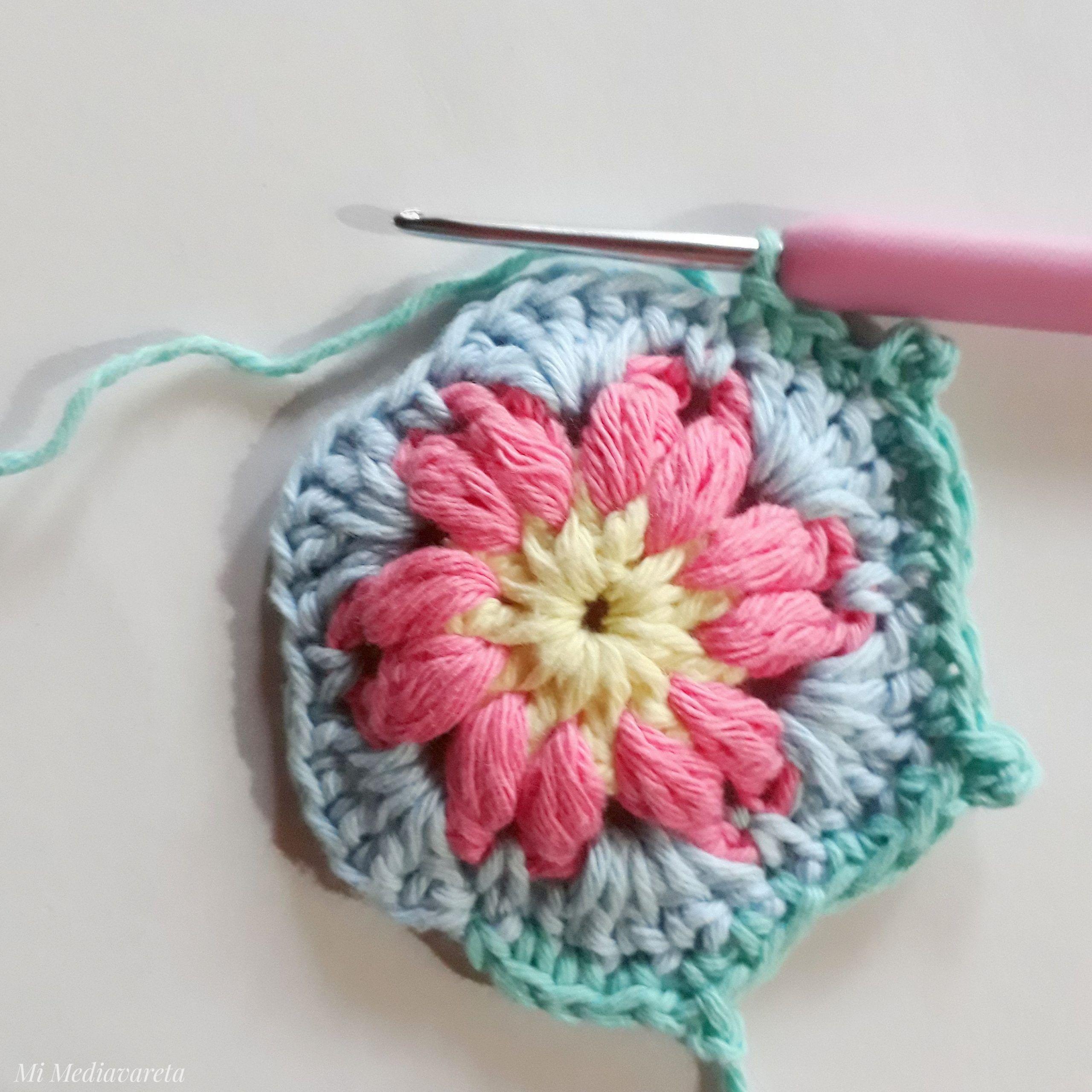 aprende a tejer una mini mandala a crochet