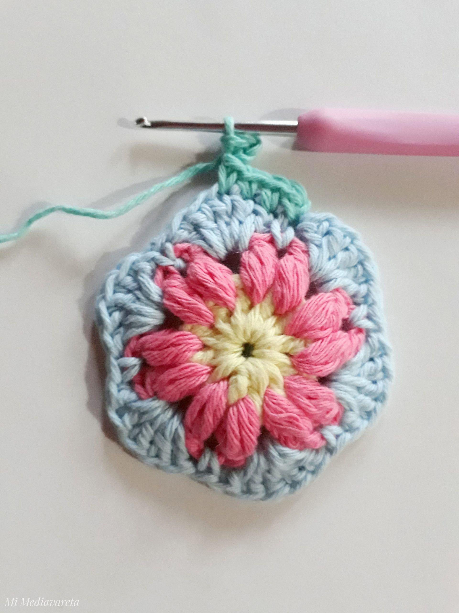 mandala a crochet con patrón escrito